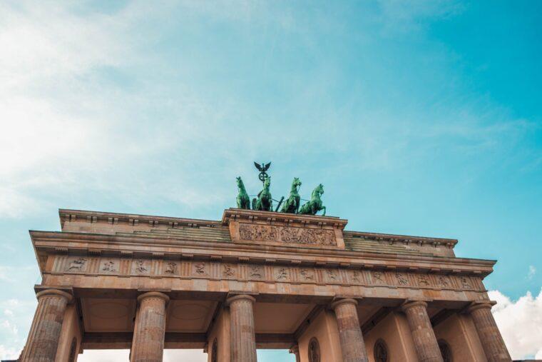 Deutsche Bank Reports Best Quarter In Seven Years